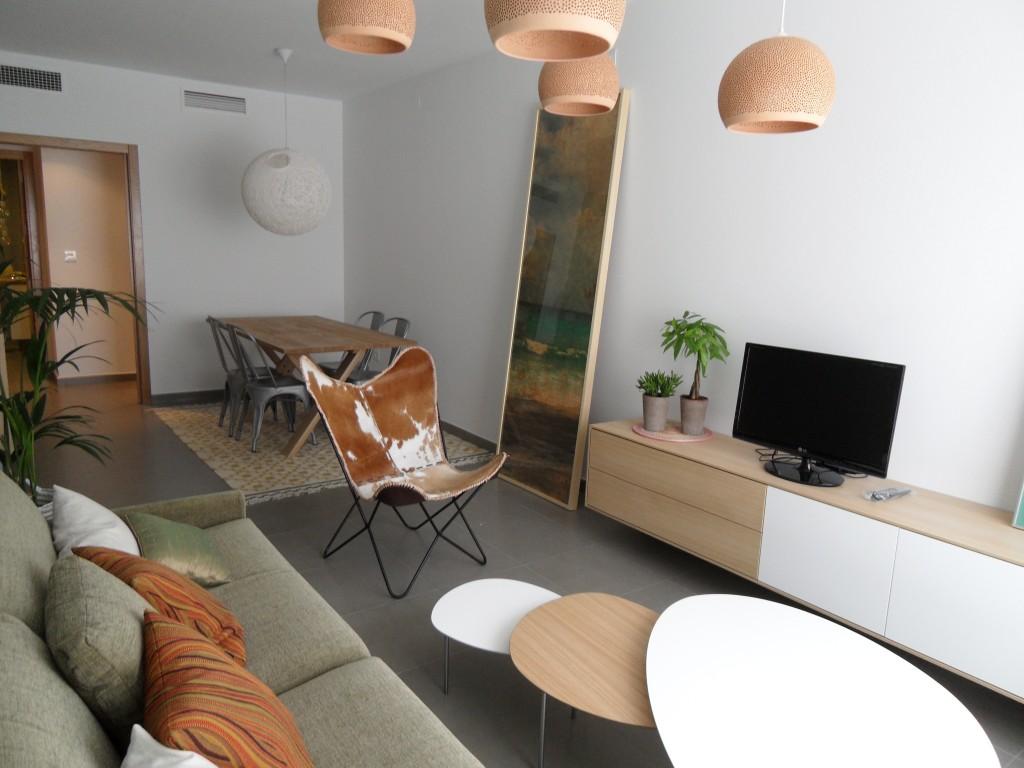 Vivienda bj d solarium vivir en totana for Combinar parquet y muebles