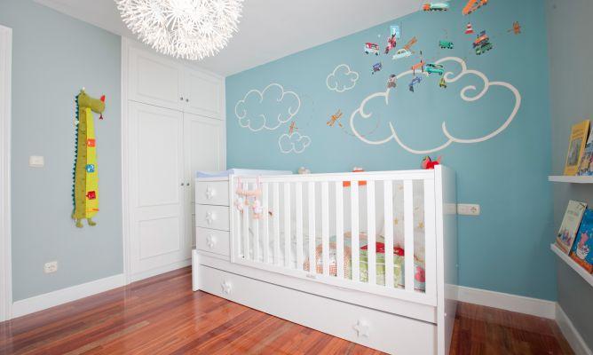 Siete buenas ideas para decorar la habitaci n de tu beb - Adornos habitacion bebe ...